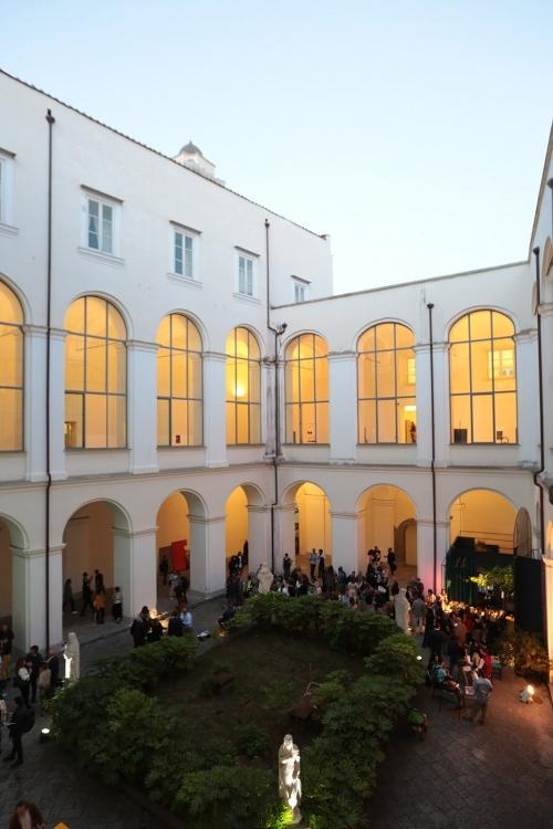 adf-webmagazine-4_edit napoli 2019_courtyard complesso domenico maggiore ©roberto pierucci