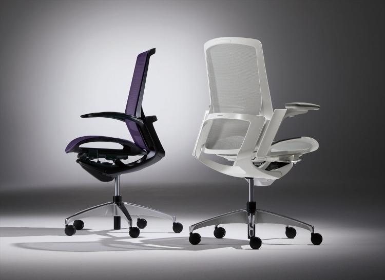 adf-web-magazine-reddot-award-finora-work-chair