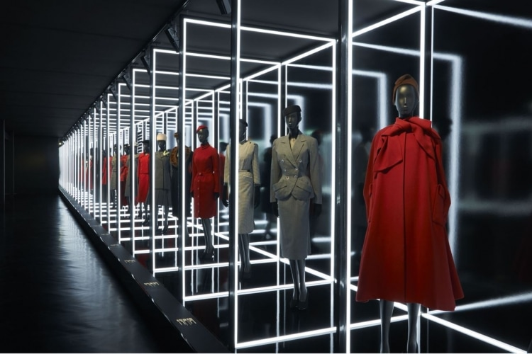 adf-web-magazine-christian-dior-designer-of-dreams-exhibition-2