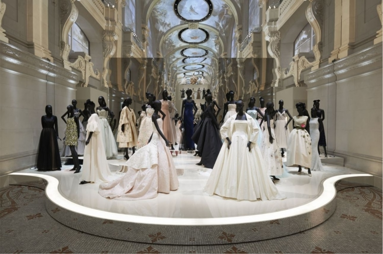 adf-web-magazine-christian-dior-designer-of-dreams-exhibition-4