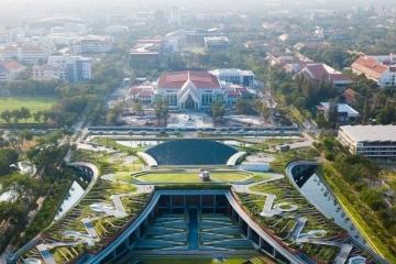 adf-web-magazine-thammasat university rooftop farm by landprocess, thailand, dezeen awards 2020