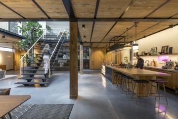 adf-web-magazine-dezeen-awards-2020-interior-kitchen-and-courtyard