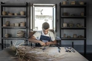 フェンディ「ハンド・イン・ハンド」プロジェクト - イタリアのクラフツマンシップ