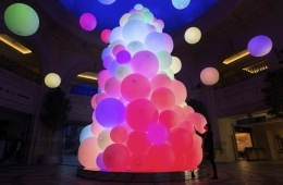 adf-web-magazine-teamlab-the-tree-of-reasonating-colors-of-life