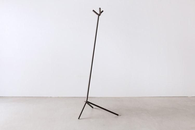 adf-web-magazine-uno-hanger-bent-stool-1