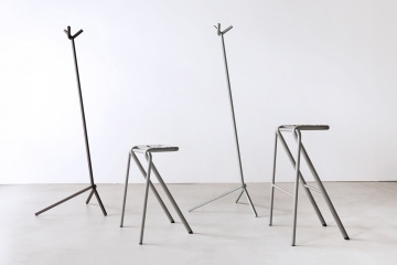adf-web-magazine-uno-hanger-bent-stool