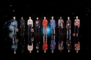 DIOR 2021秋メンズコレクションを発表 - アーティスティックディレクターのキム・ジョーンズとアーティストのケニー・シャーフがコラボ