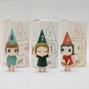 奈良美智 新作フィギュア「ドラミング・ガール」がMoMA Design Storeで数量限定販売