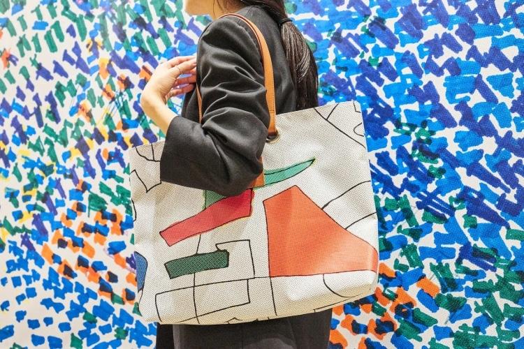 adf-web-magazine-wall-art-tote-bag-project-1