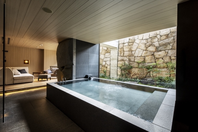 adf-web-magazine-spa_g_private onsen001_added image