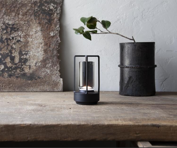 adf-web-agazine-ambientc-nomadic-lamp-1