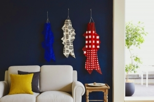 IDÉE - テキスタイルデザイナー須藤玲子がデザインした色とりどりのこいのぼりが泳ぐ「NUNO こいのぼり展」を開催