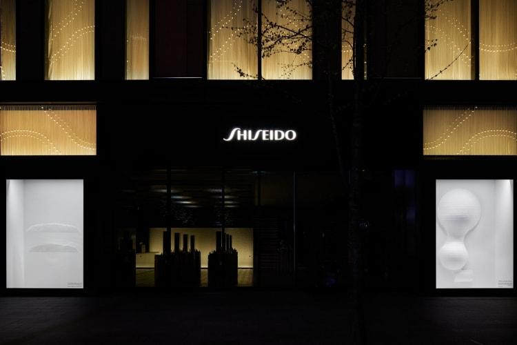adf-web-magazine-shiseido-the-store-window-gallery-designed-by-kazuyo-sejima