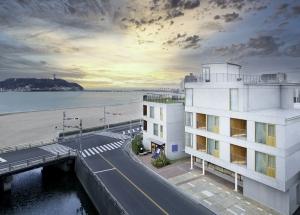建築家 千葉学がデザインしたホテル「HOTEL AO KAMAKURA」がオープン