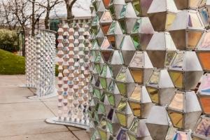 NYブルックリンのデザインスタジオ アーバンコンガによる遊び心溢れるパブリックインスタレーション「Ripple」