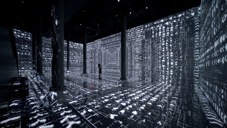 adf-web-magazine-machine-hallucination-01