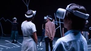 山口情報芸術センター[YCAM]にて、小泉明郎によるVRを用いた話題の演劇作品「縛られたプロメテウス」を上演