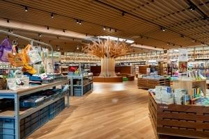 富山県初のTSUTAYA BOOKSTOREが誕生ー「BOOK & CAFE」スタイルの書店